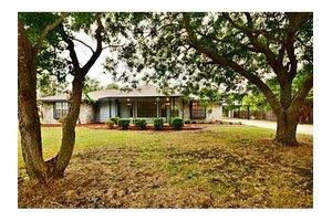 209 Prairie View Ln, Red Oak, TX 75154