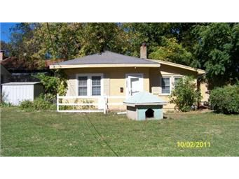 10808 E 19th St S Independence, MO 64052