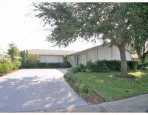 8404 Woodapple Ct, Tampa, FL 33615