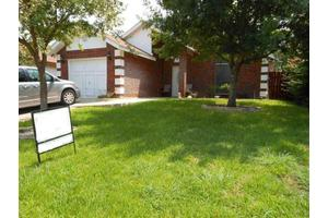 127 Knoll Ave, Laredo, TX 78045
