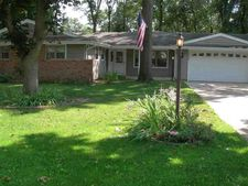 16389 Fairfield Ln, Granger, IN 46530