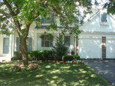 1538 Apple Grove Ln, Westmont, IL 60559