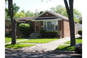 9823 S Claremont Ave, Chicago, IL 60643