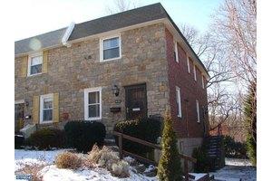 422 Alexander Ave, Drexel Hill, PA 19026