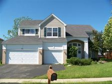 330 S Annandale Dr, Lake In The Hills, IL 60156