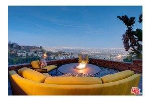 2231 Sunset Plaza Dr, Los Angeles, CA 90069