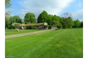 5305 Shields Rd, Canfield, OH 44406