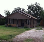 406 N Houston St, Shamrock, TX 79079