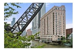 345 N Canal St Apt 1608, Chicago, IL 60606