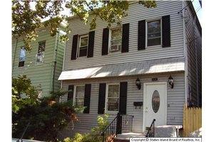 64 Tompkins St, Staten Island, NY 10304