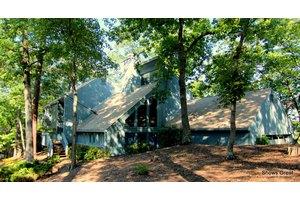 5948 Lakemont Dr, Roanoke, VA 24018