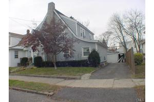 121 Chalmers Ave, Bridgeport, CT 06604