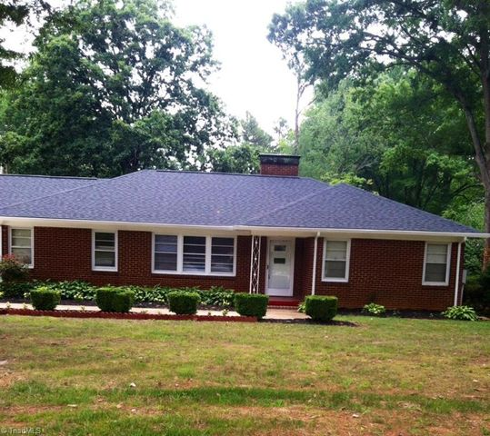 Home For Rent 4826 Starmount Dr Greensboro Nc 27410