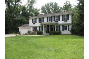 635 Oakwood Dr, Indianapolis, IN 46260