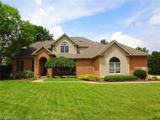 40 Majestic Ct, Canfield, OH 44406