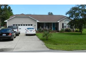2713 Mayberry Loop Rd, Morehead City, NC 28557