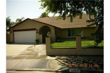 2922 Summerfield Ln, Riverside, CA 92503