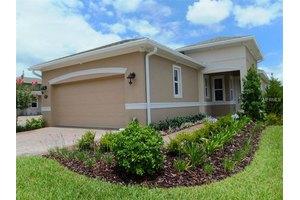 1675 Victoria Gardens Dr, Deland, FL 32724