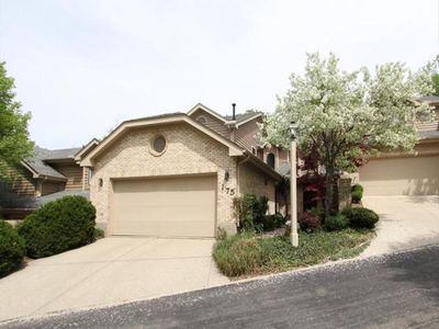 175 Strathmoor Xing, Kettering, OH
