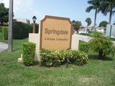 392 Springdale Cir, Palm Springs, FL 33461