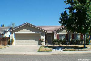 2529 Briarcliff Dr, Riverbank, CA 95367