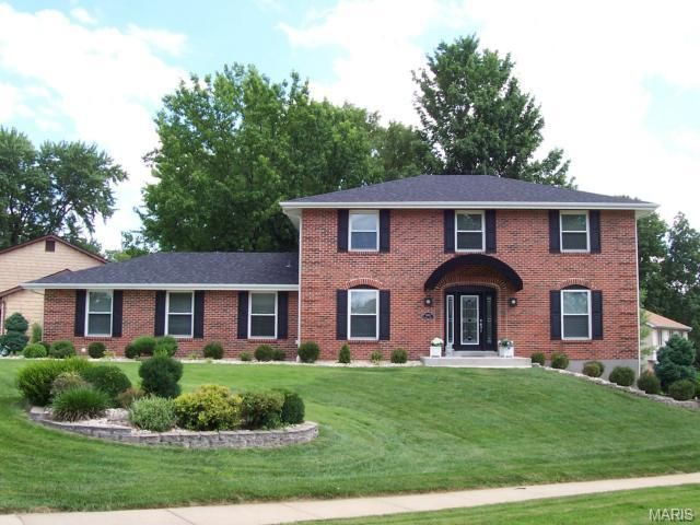 15515 Twingate Dr Chesterfield, MO 63017
