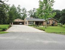 4229 Coventry Dr, Moss Point, MS 39562