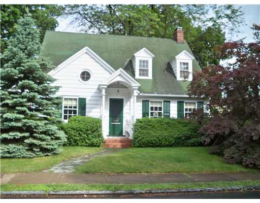 7 Wilcox Ave, Middletown, NY