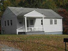 1008 Summit Ave, Reidsville, NC 27320
