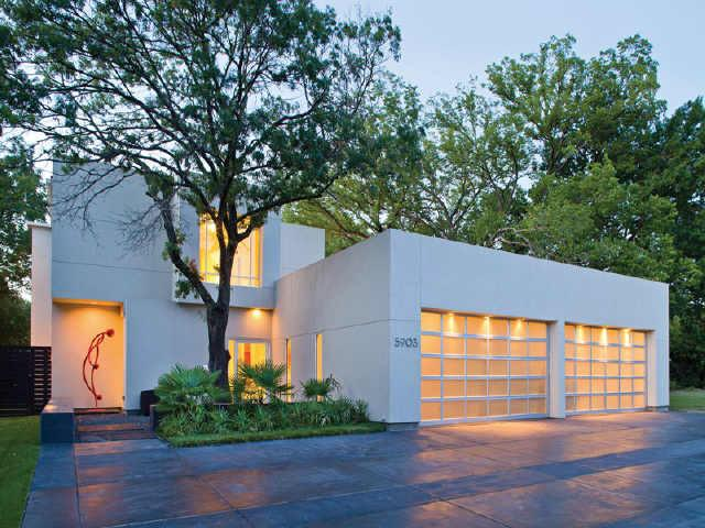 Celebrity Homes Majestic Modern Home In North Dallas
