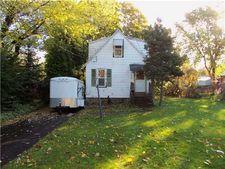 12 Suffolk St, Fairport, NY 14450