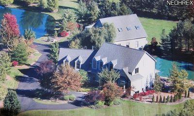 11205 Hampton Ridge Dr, Chardon, OH 44024