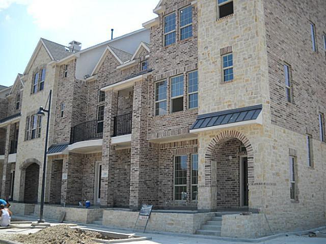 5022 Meridian Ln, Addison, TX