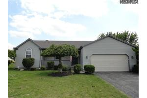 6823 Pineridge Ct, Austintown, OH 44515