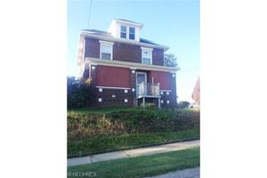 1060 Shannon Ave, Barberton, OH 44203