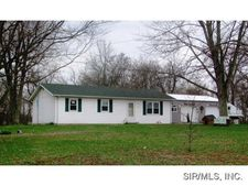 364 Hibiscus Rd, Coulterville, IL 62237
