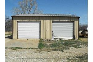602 W 7th St, Breckenridge, TX 76424