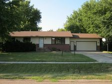 14 Maple Dr, Kearney, NE 68845
