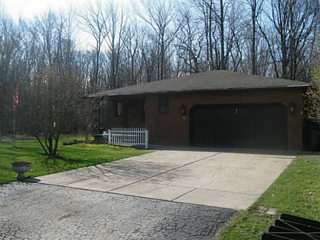 65 Sunset Dr, North Tonawanda, NY
