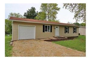 702 1st St, Park Hills, MO 63601