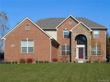 4116 South Lake Ct, Shelby Twp, MI 48316