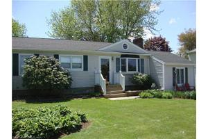 66 Todds Hill Rd, Branford, CT 06405