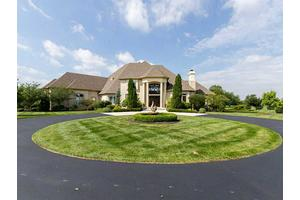 11085 Queens Way Cir, Carmel, IN 46032