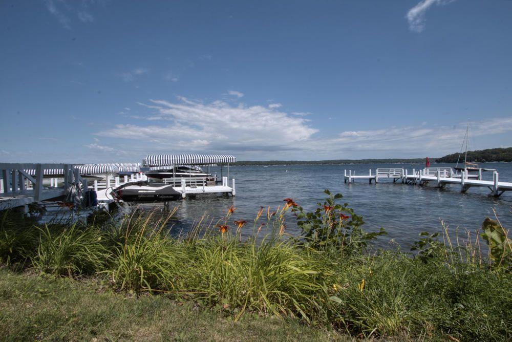 N1495 S Creekside Ln Lake Geneva WI 53147