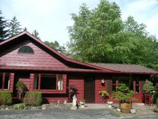 10024 Sunset Dr, Chagrin Falls, OH 44023