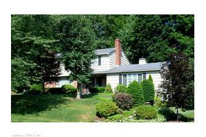 9 Windsor Rd E, North Haven, CT 06473