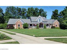 4163 Cedarwood Ct, Independence, OH 44131