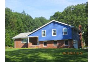 9124 Valley View Dr, Clarks Summit, PA 18411
