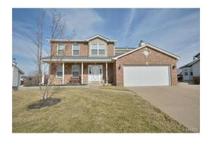 3874 Cambridge Crossing Dr, Saint Charles, MO 63304