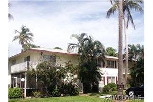 224 Palm Dr, Naples, FL 34112